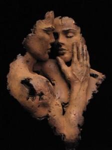Abrazo tierno hombre mujer