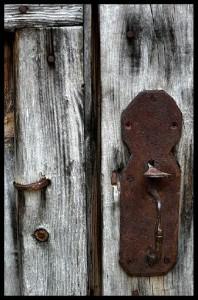 Una puerta pesada