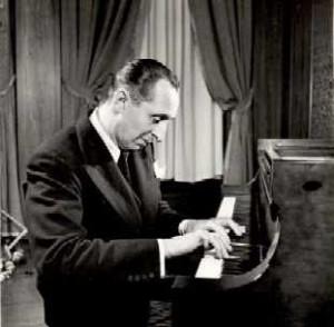 Vladimir Horowitz tocando piano